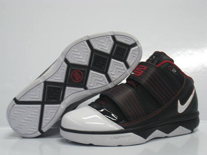 nike james basketball shoes