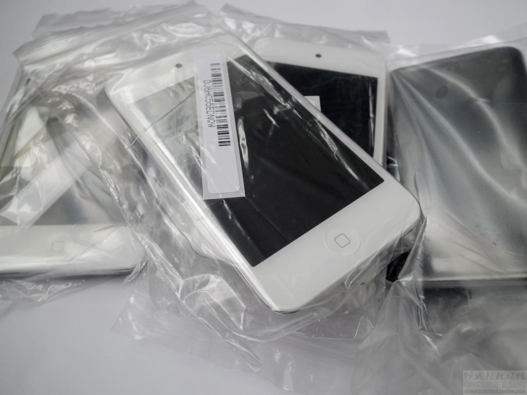 Apple iPod touch 8GB - White - 4th Generation ---150Euro