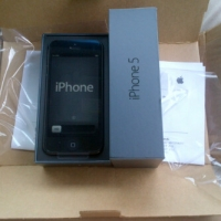 Apple Iphone 5 64GB (Black) Smartphone